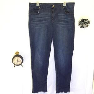 WOMENS SZ 14 TAYLOR 1822 RIPPED BLUE JEANS DENIM